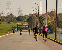 Bicycle path with cyclists on it