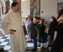 Prior of the Lublin Dominican Order with the young athletes from the Lublin...